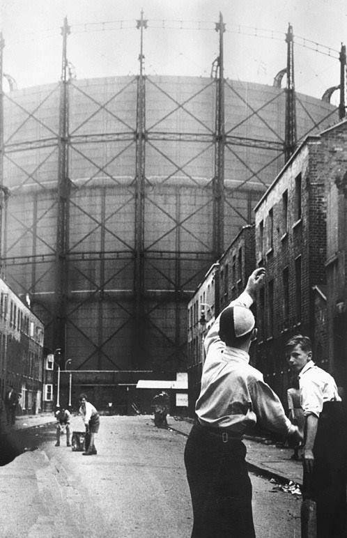 Street cricket in Montford Place near the Oval 1953