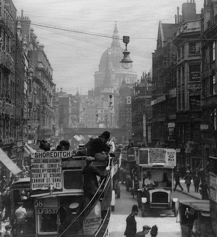 Fleet Street looking east (c.1920)