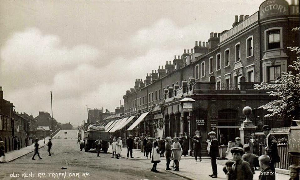 Trafalgar Avenue (then Road) in 1925. The bridge on the left went over the Grand Surrey Canal and the Victory pub was on the corner of Trafalgar Avenue and Waite Street.