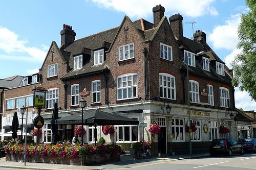 The Elephany a.k.a. the Moss Hall Tavern.<br><br>Image: http://www.pubology.co.uk<br><br>(North Finchley)