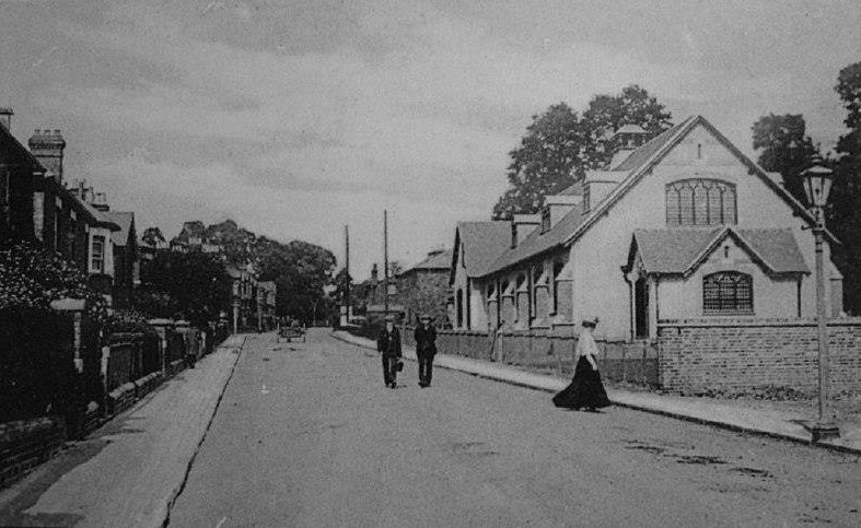 Belmont Road in Edwardian times with St Margaret's Parish Hall