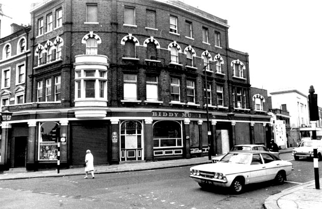 Biddy Mulligans, Kilburn High Road in 1975.